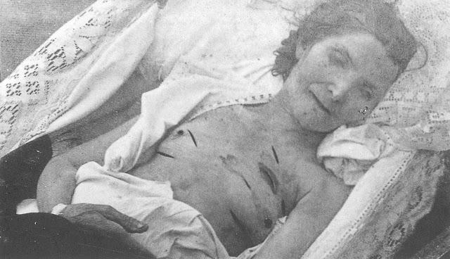 Η Βελίκα Τράϊκου ὑπῆρξε μιά δασκάλα, νεομάρτυς τοῦ Μακεδονικοῦ Ἀγῶνος Γεννημένη στό Γραδεμπόριο τό 1883