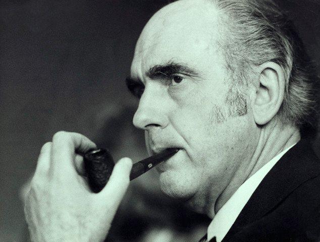 98 χρόνια ιστορίας, με τον μεγαλύτερο πολιτικό Ηγέτη του σύγχρονου νεοελληνικού κράτους να συνεχίζει να μας εμπνέει και να μας οδηγε