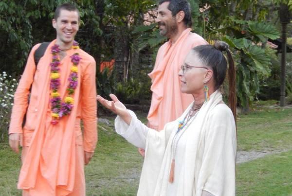 Chegada de Sripad Bhakti Kamal Tyagi Maharaj, dos Estados Unidos