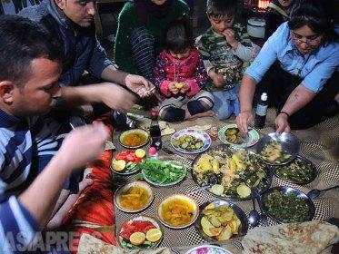 <イラク写真報告>ヤズディ教徒襲撃から2年(3)ISから逃れ避難民に シリア、イラクで困窮生活(写真9枚)