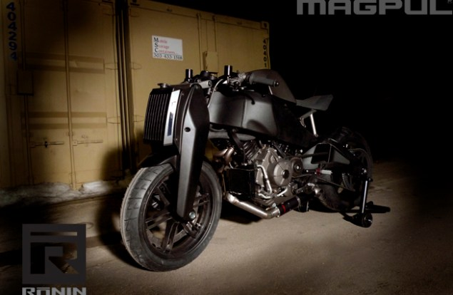 Magpul Ronin: An Alternate Reality of Buell magpul ronin a buel 1125r alternative 4 635x414
