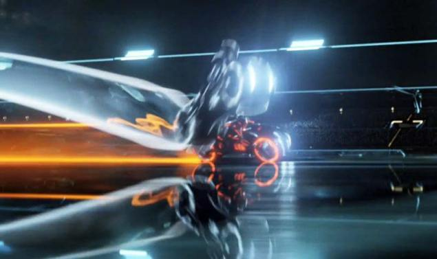 Disney Releases Second Tron Legacy Trailer   More Motorcycle Goodness Tron lightcycle sequence 635x377