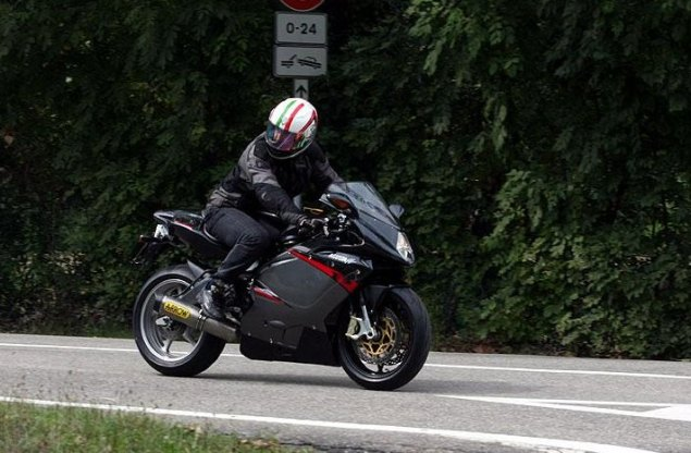 MV Agusta F3: The €9,000 Motorcycle that Castiglioni Hopes Will Save the Company 2011 MV Agusta F3 spy shot 2 635x416