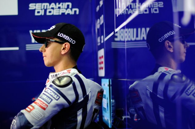 World Champion. Jorge Lorenzo pitbox World Champion 635x421