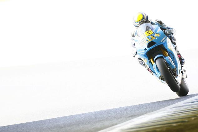Suzuki Cutting a Deal To Run a Single Bike Team in 2011 Rizla Suzuki MotoGP 2010 season 5 635x423