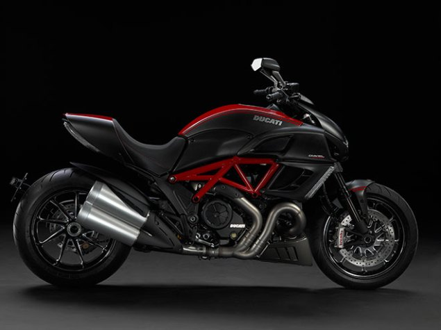 2011 Ducati Diavel Breaks Cover at EICMA 2011 Ducati Diavel official 1 635x475