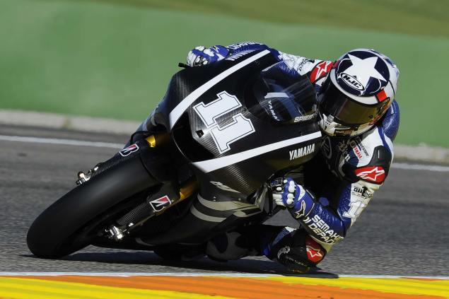 Ben Spies on the 2011 Yamaha YZR M1 Ben Spies factory Yamaha Valencia test 3 635x423