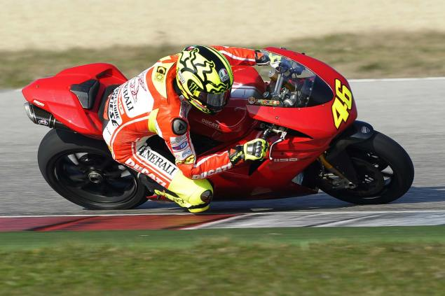 Rossi Tests Shoulder Riding on a Ducati 1198 at Misano valentino rossi ducati 1198sp misano test 2 635x423