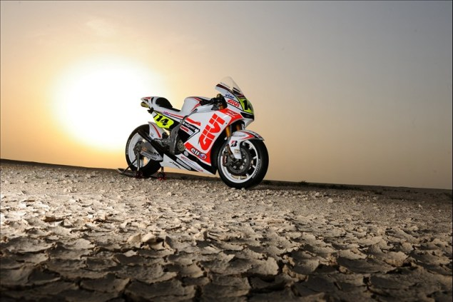 LCR Honda: This is How You Launch a MotoGP Team 2010 LCR Honda Playboy Givi 635x423