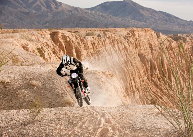 Zero Motorcycles Habla Español Zero Motorcycles DS desert canyon 635x453