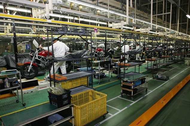 Honda Restarting Motorcycle Production March 28th Honda Kumamoto factory assembly line 635x423