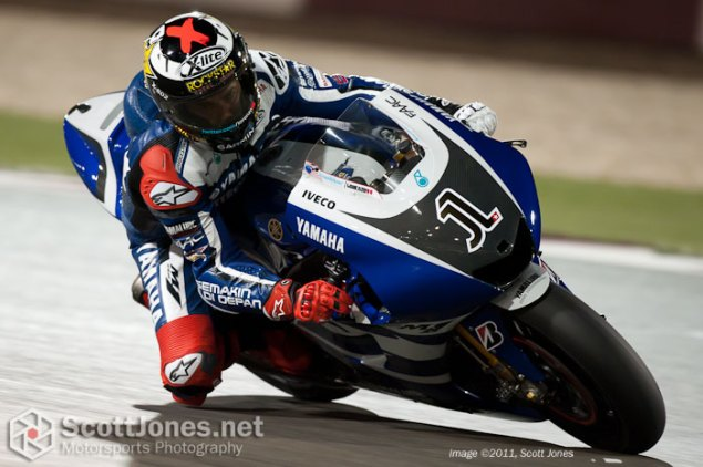 Photo of the Week: A Man with a Million Things to Ponder Jorge Lorenzo Qatar Test Scott Jones 635x422