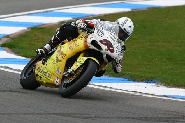 Guintoli Unknowingly Raced Donington with a Broken Hand Sylvain Guintoli Team Effenbert Liberty Racing 635x423