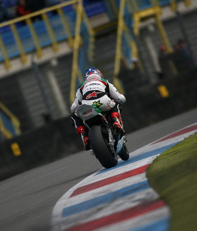 WSBK: Fresh Tires Aid Checa to Superpole at Assen Jonathan Rea Assen WSBK Superpole 2011 635x742