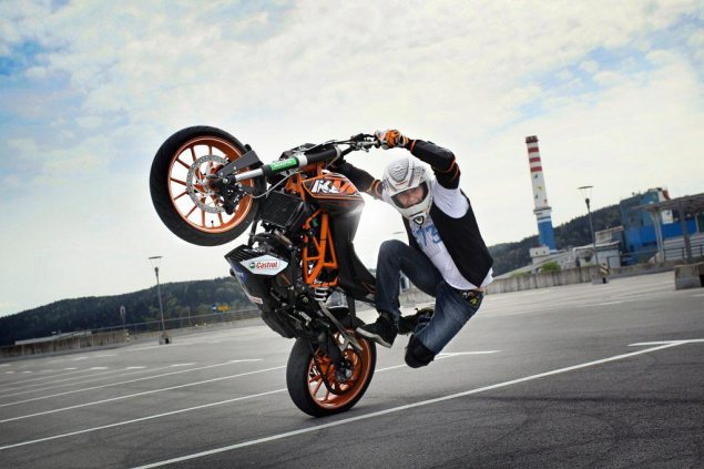 Rok Bagoroš Meets the KTM 125 Duke Rok Bagoroš KTM 125 Duke 6 635x423