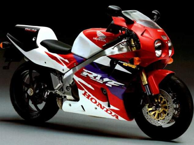 Rumor: Honda Working on a 1,000cc V4 Sportbike Honda RC 45 sport bike 635x476