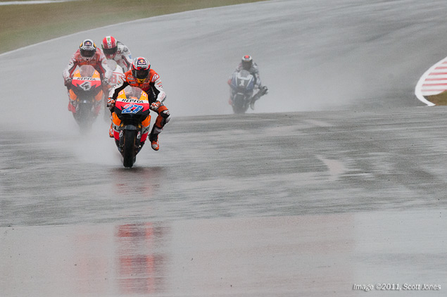 MotoGP: Rain Soaked British GP Shakes up Championship 2011 British GP MotoGP Scott Jones