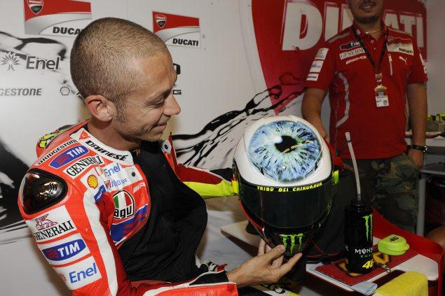 Photos: Valentino Rossis Mugello Helmet Valentino Rossi AGV Mugello helmet 4 635x423