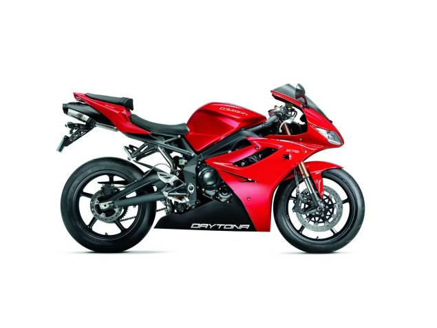2012 Triumph Daytona 675 Gets Minor Updates 2012 Triumph Daytona 675 2 635x476