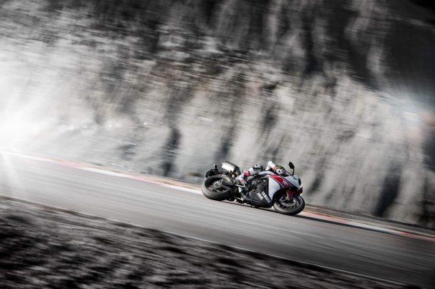 Video: Ben Spies & The 2012 Yamaha YZF R1 2012 Yamaha YZF R1 Ben Spies 7 635x423