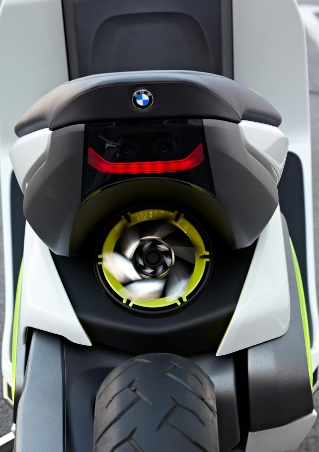 BMW Concept e Maxi Scooter   Electric Urban Mobility BMW Concept e 59 635x898