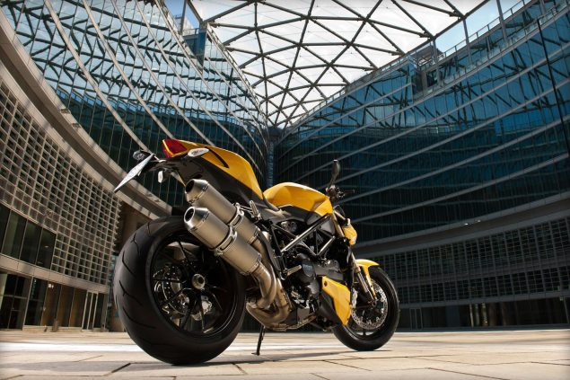 Photos and Video of the Ducati Streetfighter 848 Ducati Streetfighter 848 3 635x423