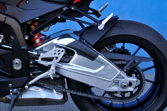 2012 BMW S1000RR   Tweaks Come to the Liter Bike King 2012 BMW S1000RR 132 635x421
