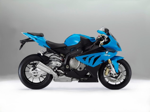2012 BMW S1000RR   Tweaks Come to the Liter Bike King 2012 BMW S1000RR 24 635x475