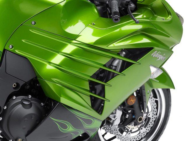 2012 Kawasaki ZX 14R Breaks Cover 2012 Kawasaki ZX 14R 10 635x483