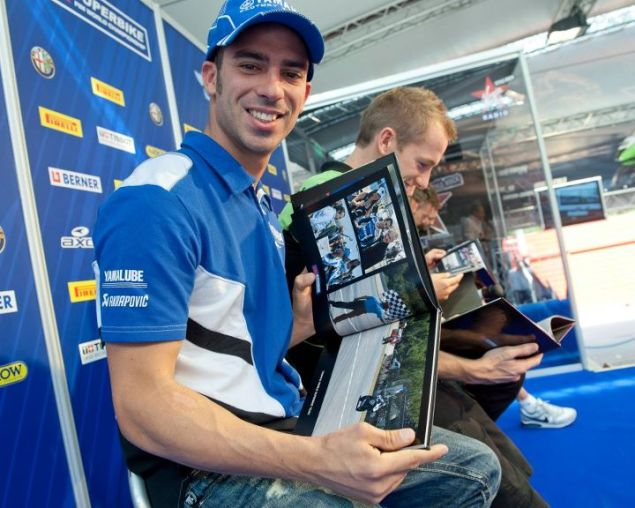 WSBK: Melandri to BMW Motorrad for 2012 melandri pirelli little yamaha 635x508