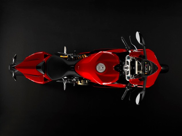2012 Ducati 1199 Panigale Redefines the Word Superbike 2012 Ducati 1199 Panigale 18 635x475