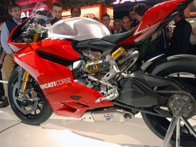 Up Close with the Ducati 1199 Panigale in Superstock Trim Ducati 1199 Panigale Supersport trim 04 635x476