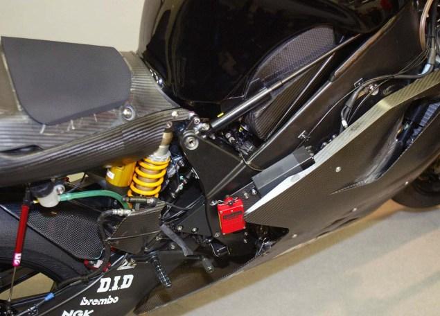 Photos: 2003 Yamaha YZR M1 Prototype 2003 Yamaha YZR M1 prototype 03 635x456