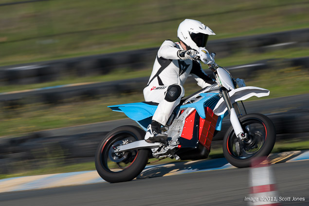 Ride Review: BRD RedShift Supermoto Prototype BRD RedShift SM test Infineon Scott Jones 2
