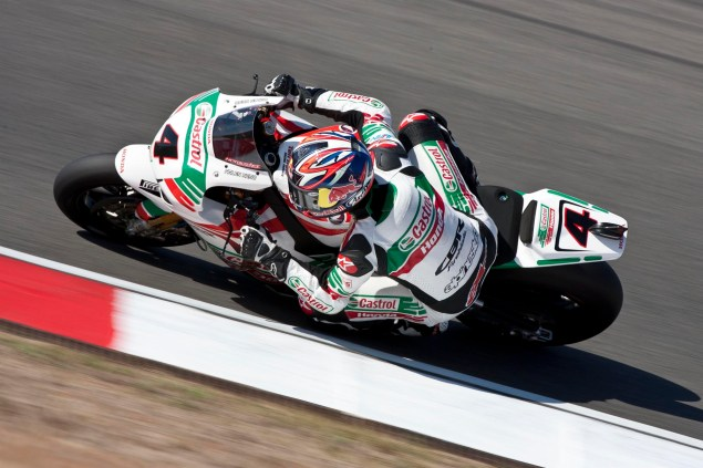 Watch Jonathan Reas Record WSBK Superpole at Portimao from a Mechanics Point of View Jonathan Rea Castrol Honda Portimao WSBK 04 635x423