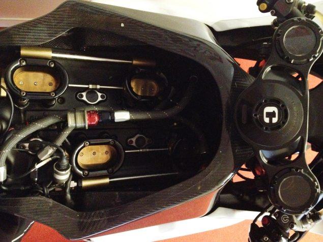 XXX: MotoCzysz Bike Porn   The Under the Tank Edition MotoCzysz C1 990 airbox 1 635x476