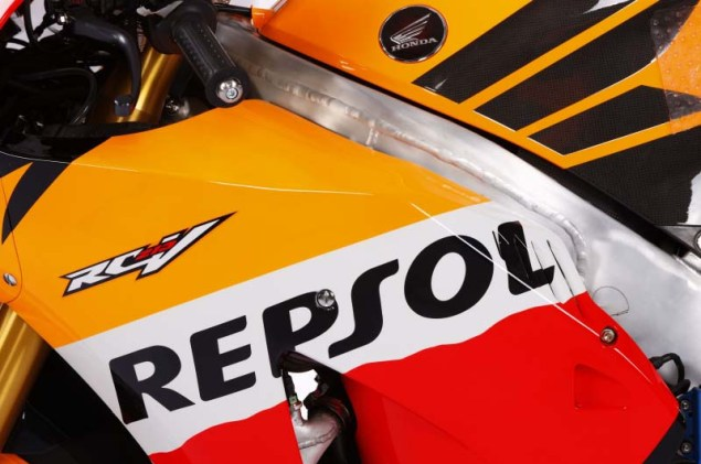 2012 Honda RC213V Debuts in Malaysia 2012 Honda RC213V 07 635x421