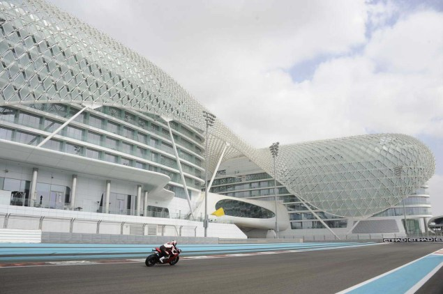 Ride Review: Ducati 1199 Panigale Ducati 1199 Panigale press launch Abu Dhabi Yas Marina 29 635x422