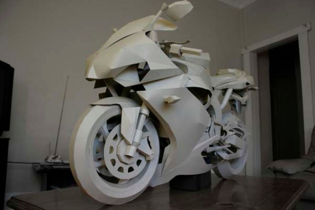 Cardboard Yamaha R1 Model is so Awesome It Hurts Cardboard Yamaha R1 06