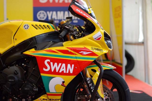 Up Close with Ian Hutchinsons Swan Yamaha R1 Superbike Ian Hutchinson Swan Yamaha R1 IOMTT 15 635x425