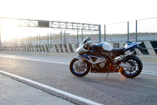 BMW HP4   Your Track Tuned BMW S1000RR BMW HP4 21 635x423