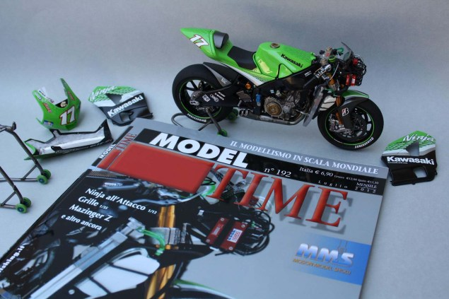 XXX: Randy de Puniets 2006 Kawasaki Ninja ZX RR Randy de Puniet 2006 Kawasaki ZX RR MotoGP scale model 03 635x423