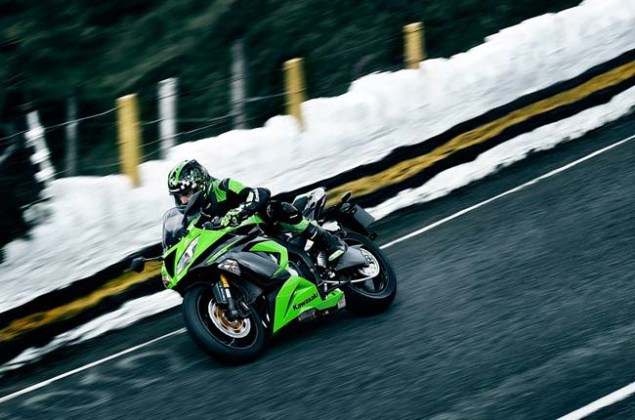 New Kawasaki Ninja ZX 6R Gets Traction Control for 2013 2013 Kawasaki Ninja ZX 6R 28 635x420