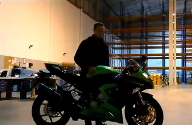 First (Strange) Video of the 2013 Kawasaki Ninja ZX 6R & 2013 Kawasaki Z800 2013 Kawasaki Ninja ZX 6R Z800 leak video