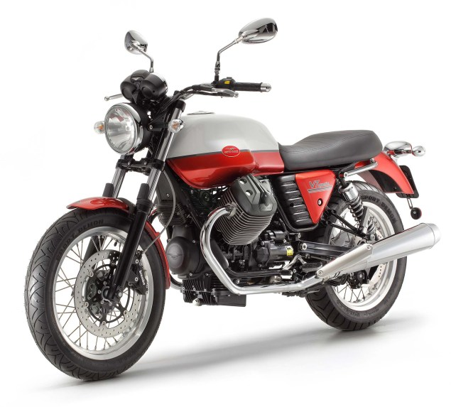 Three Moto Guzzi V7 Models Coming to America for 2013 2013 Moto Guzzi V7 635x573