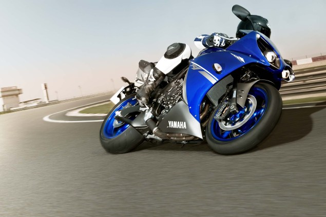 More Photos of How Yamaha Blu Itself 2013 Yamaha YZF R1 Race Blu 03 635x423