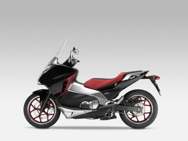 Honda Working on a Scooter/Motorcycle Hybrid for the US Honda Mid Concept 635x476