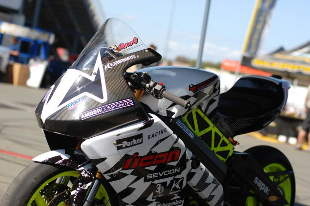 Video: Brammo Gets Ready to Dominate in Daytona 2012 Brammo Empulse RR Sears Point 07 635x423