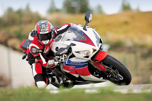 Honda WSBK Switches to 2013 Livery for Magny Cours 2013 Honda CBR1000RR WSBK 03 635x423