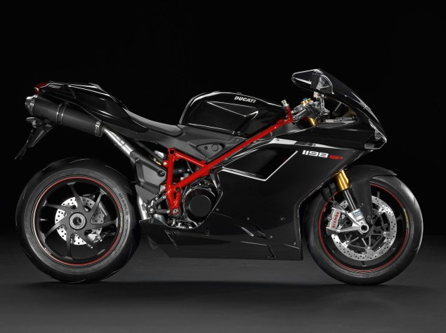 A Quarter Century of Ducati Superbikes in Photos 2011 Ducati Superbike 1198 SP black 635x475